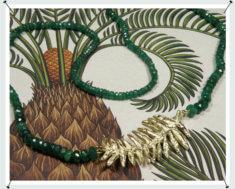 Collier, Hortus collectie, Oostkaapse Broodboom, smaragd en geelgoud.